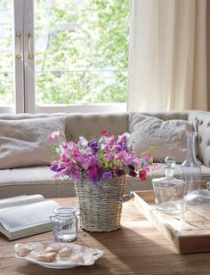 "Arreglo floral realizado con lathyrus o ""guisante de olor""."