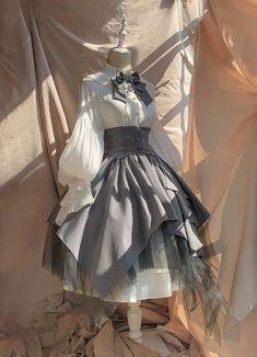 Kawaii Clothes, Kawaii Dress, Old Fashion Dresses, Fashion Outfits, Hijab Fashion, Fashion Hacks, Modest Fashion, Skirt Fashion, Fashion Tips