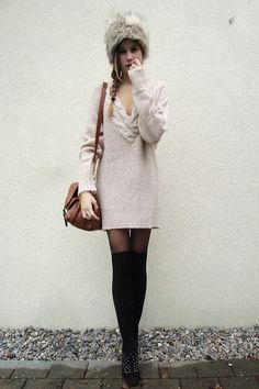 ugh. i want this sweater!!!!!!!!!! lol............. early spring wardrobe