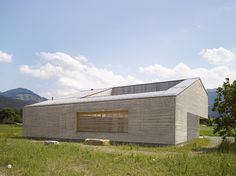 Haus im Feld   bernardobader.com