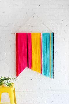 DIY: cotton yarn wall hanging