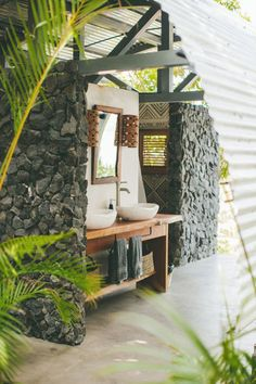 Amazing Sensational Outdoor Bathroom Design The Dream of Every House Outdoor Bathrooms, Country Bathrooms, Outdoor Showers, Outdoor Living, Outdoor Decor, Cabana, Wanderlust, House Design, Cottages