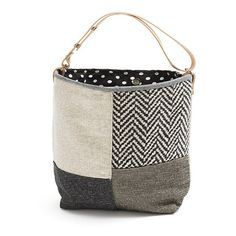 SMALL BUCKET BAG Handmade item. Materials: canvas, cotton, chenille, decorator fabric, leather, snaps. Color: black,white, dark grey, tweed. Small bucket bag, bag style in fabric, lined. Magnetic clasp. Leather adjustable straps. It can be used in two ways, the handle has