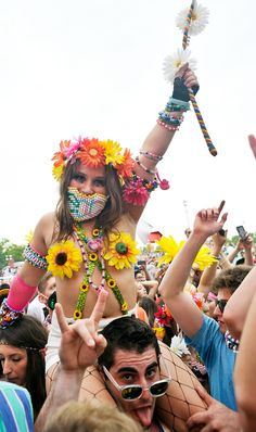 Tragic rave look 12: all-over parties. | 12 Tragic Rave Fashion Moments From New York's Electric Daisy Carnival