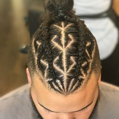 "261 Likes, 3 Comments - CHRISTY (@braids_by_christy) on Instagram: ""#manbun #manbunbraids #bunbraids #bun #braid #braids #braider #chicago #chicagobraids…"""