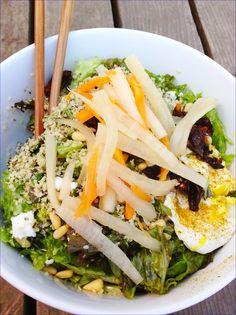 Traditional Vietnamese pickles. No vinegar, lots of probiotics. Super food. Heals depression, gut problems, autoimmunity.