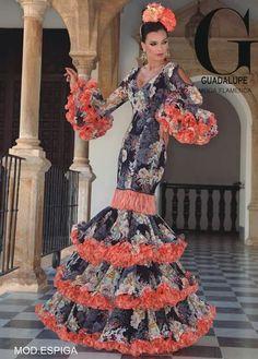 Spanish Fashion, Spanish Style, Gypsy Women, Spanish Culture, Frou Frou, Lady In Red, Ruffles, Feminine, Glamour