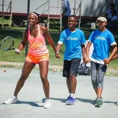 Sloane Stephens having fun during Citi Open kids day! Tag-team #tennis! #WTA