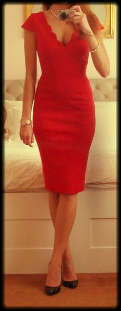 Jane Norman: Classy Red Dress with scallop v-neck~love it!