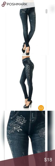FLORAL PATTERN PRINTED JEGGINGS Fabric: 50%POLYESTER, 40%VISCOSE, 10%SPANDEX Does not have pockets or belt loops. It is just a print.  Fit sizes 2-14 comfortably Pants Leggings