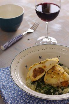 Cinco Quartos de Laranja: Peitos de frango recheados com farinheira e arroz de espinafres