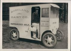1927 Roseland Dairy Company Pasteurized Milk Truck Business Man Press Photo