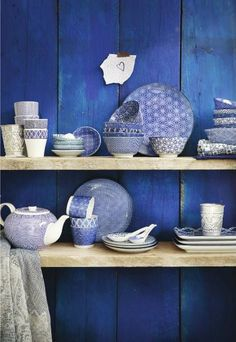 Tokyo Design Studio Medium Bowls, Set of Blue/White Design Oriental, Tokyo Design, Japanese Ceramics, Oriental Fashion, China Patterns, Traditional Design, Traditional Japanese, Home Design, Studio Design