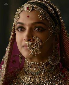"""Padmaavat"": Did Deepika Padukone Get Paid More Than Ranveer Singh, Shahid Kapoor? Bollywood Fashion, Bollywood Actress, Padmavati Movie, Movie Cast, Deepika Padukone Style, Deepika Ranveer, Aishwarya Rai, Nose Jewelry, India Jewelry"