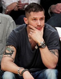 And if you didn't believe me when I said for men too.look how HOT Tom Hardy looks wearing a Origami Owl living locket and cross dangle! Tom Hardy Lawless, Tom Hardy Actor, Tom Hardy Hot, Equestria Girls Minis, Pretty People, Beautiful People, Amazing People, Amazing Man, Amazing Body