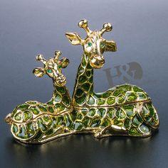 Mini Giraffe trinket box - hand made Jewelry Box Wedding Decor Lady Gift Jewelry Box, Jewelry Making, Trinket Boxes, Gifts For Women, Wedding Decorations, Decorative Boxes, Mini, Handmade, Animals