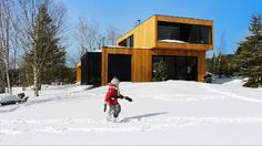 Cottage in the Lanaudiere area, Quebec. Short video