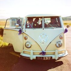 I love the vintage VW bug buses! If I could I'd have one in every color!