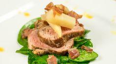 Maja Poniewozik: Polędwiczka wieprzowa pieczona z gruszką i pietruszką Steak, Sandwiches, Pork, Beef, Master Chef, Kale Stir Fry, Meat, Pigs, Ox