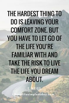 7 ways to break out of your comfort zone (guide) - Quotes Comfort Zone Quotes, Out Of Comfort Zone, Positive Vibes, Positive Quotes, Motivational Quotes, Inspirational Quotes, Road Quotes, Life Quotes, Mantra