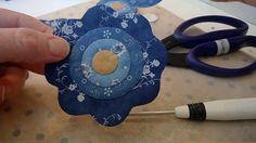Making Applique Flowers with turned edges using Freezer Paper Template – Pine Valley Quilts Quilt Block Patterns, Applique Patterns, Applique Quilts, Applique Designs, Quilt Blocks, Wood Blocks, Quilting Tutorials, Quilting Projects, Sewing Projects