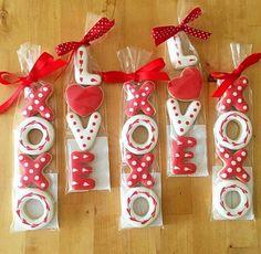 Amor y BESOS Royal icing de las galletas por momisbaking en Etsy