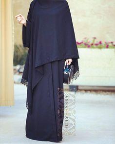 Cover up style abaya Arab Fashion, Islamic Fashion, Muslim Fashion, Modest Fashion, Fashion Dresses, Muslim Dress, Hijab Dress, Hijab Outfit, Mode Abaya