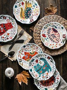 Floral & Cat Retro Under-glazed Ceramic Dinnerware Plates - handgemacht Painted Ceramic Plates, Hand Painted Ceramics, Ceramic Clay, Glazed Ceramic, Ceramic Painting, Ceramic Pottery, Ceramic Oven Dish, Decorative Plates, Painted Pottery