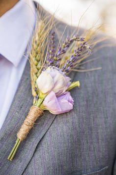 Rustic boutonniere con espiga de trigo