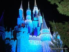 Gluten Free info for your Disney Vacation, taking someone you love to Disney with Celiacs? here are some great places in Disney that will be safe for them to eat!!:)