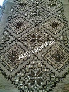 Beaded Embroidery, Cross Stitch Embroidery, Cross Stitch Patterns, Cross Stitch Rose, Comforter Sets, Blackwork, Needlework, Diy And Crafts, Crochet