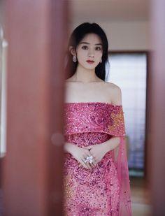 Fairy Wedding Dress, Fairy Dress, Tulle Dress, Pink Dress, Strapless Dress, Dress Outfits, Fashion Dresses, 10 Most Beautiful Women, Gold Girl