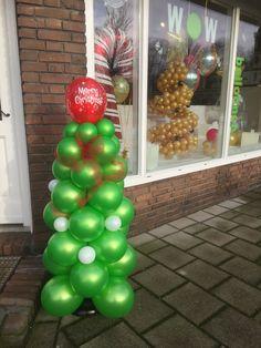 Ornament Wreath, Ornaments, Christmas Tree, Restaurant, Wreaths, Holiday Decor, Home Decor, Teal Christmas Tree, Decoration Home