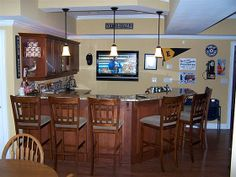Great shape of bar with room on wall for flat screen