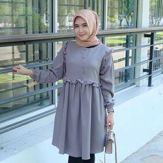 Hijab Style Dress, Casual Hijab Outfit, Green Dress Casual, Casual Dresses, Street Hijab Fashion, Abaya Fashion, Muslim Fashion, Fashion Dresses, Beautiful Dress Designs