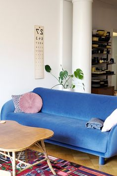 Kirppisrakkautta Love Seat, Couch, Furniture, Home Decor, Settee, Decoration Home, Sofa, Room Decor, Home Furnishings