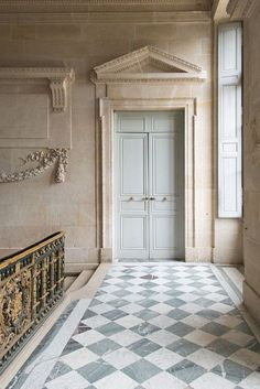 Architecture House Discover Paris Photography - Versailles Door at Le Petit Trianon France Travel Photography French Home Decor Large Wall Art Elegant Home Decor, French Home Decor, Elegant Homes, Modern French Decor, Interior Exterior, Interior Design, Interior Doors, Diy Design, Old Houses