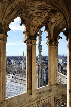 #Gothic vaults with a view over #Milan on the Terraces of the #milancathedral #duomodimilano