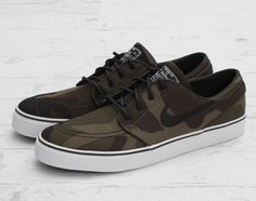 "While a considerably late entry to the Lowland ""ERDL"" Woodland Camouflage Collection, the Zoom Stefan Janoski ""Camouflage"" is still a welcome addition to Janoski Shoes, Nike Sb Janoski, Nike Shoes Usa, Sneakers Nike, Me Too Shoes, Men's Shoes, Shoe Boots, Stefan Janoski, Nike Skateboarding"