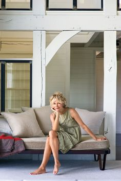 Meg Ryan Hits the Beach  - ELLEDecor.com