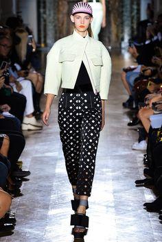John Galliano Spring 2014 Ready-to-Wear Fashion Show