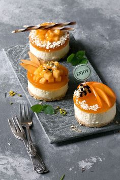 Little Mango Mousse Cakes with Soy Yogurt - refreshing, fruity and light (recipe in German). Fancy Desserts, Köstliche Desserts, Delicious Desserts, Dessert Recipes, Yummy Food, Dessert Tarts, Mousse Dessert, Plated Desserts, Mango Mousse Cake