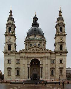 Saint Stephen's Basilica Budapest 2010.JPG