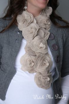 This may be this year Xmas presents. Felt Flower Scarf Tutorial~you could also use fleece