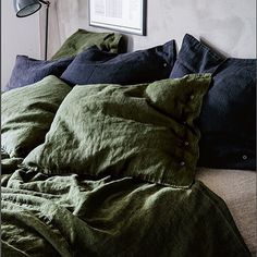 Deep sleep in Jeep Green... #lovelylinen #green #kardelen #linen #bed