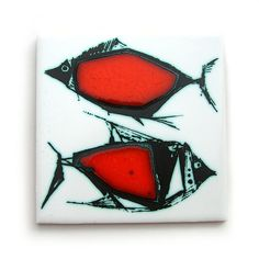 Mid-century Ann Wynn Reeves studio pottery fish tile by Wooden donkey, via Flickr