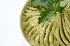μικρή κουζίνα: Χούμους με αβοκάντο Apple Pie, Hummus, Ethnic Recipes, Desserts, Food, Tailgate Desserts, Deserts, Meals, Dessert