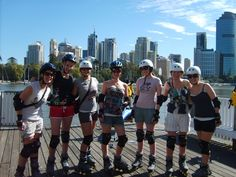 Skate along the river, past the Kangaroo Point Cliffs and onto South Bank or even over the Goodwill Bridge / QUT!