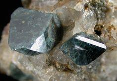 Gahnite, ZnAl2O 4,  in quartz from Rowe, Franklin County, Massachusetts, USA