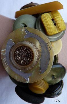 knopen armband 176 olijf van Marijke-van-Groen-Marijke